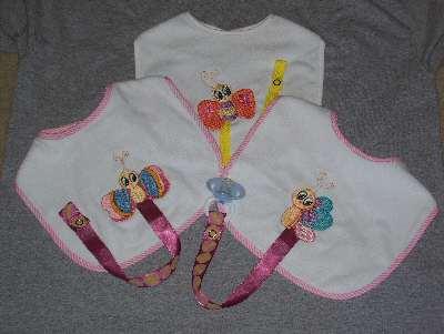binky-bib-bug-holders-machine-embroidery-designs