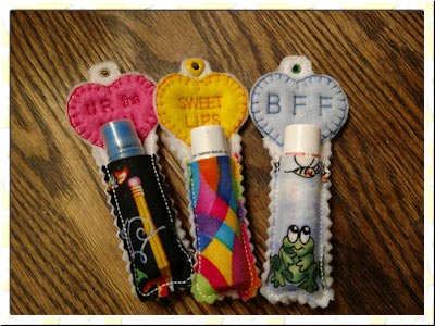 valentine-hearts-chapstick-holder-machine-embroidery-designs